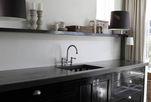 - Betegeld zwart wit geblokte keuken ...