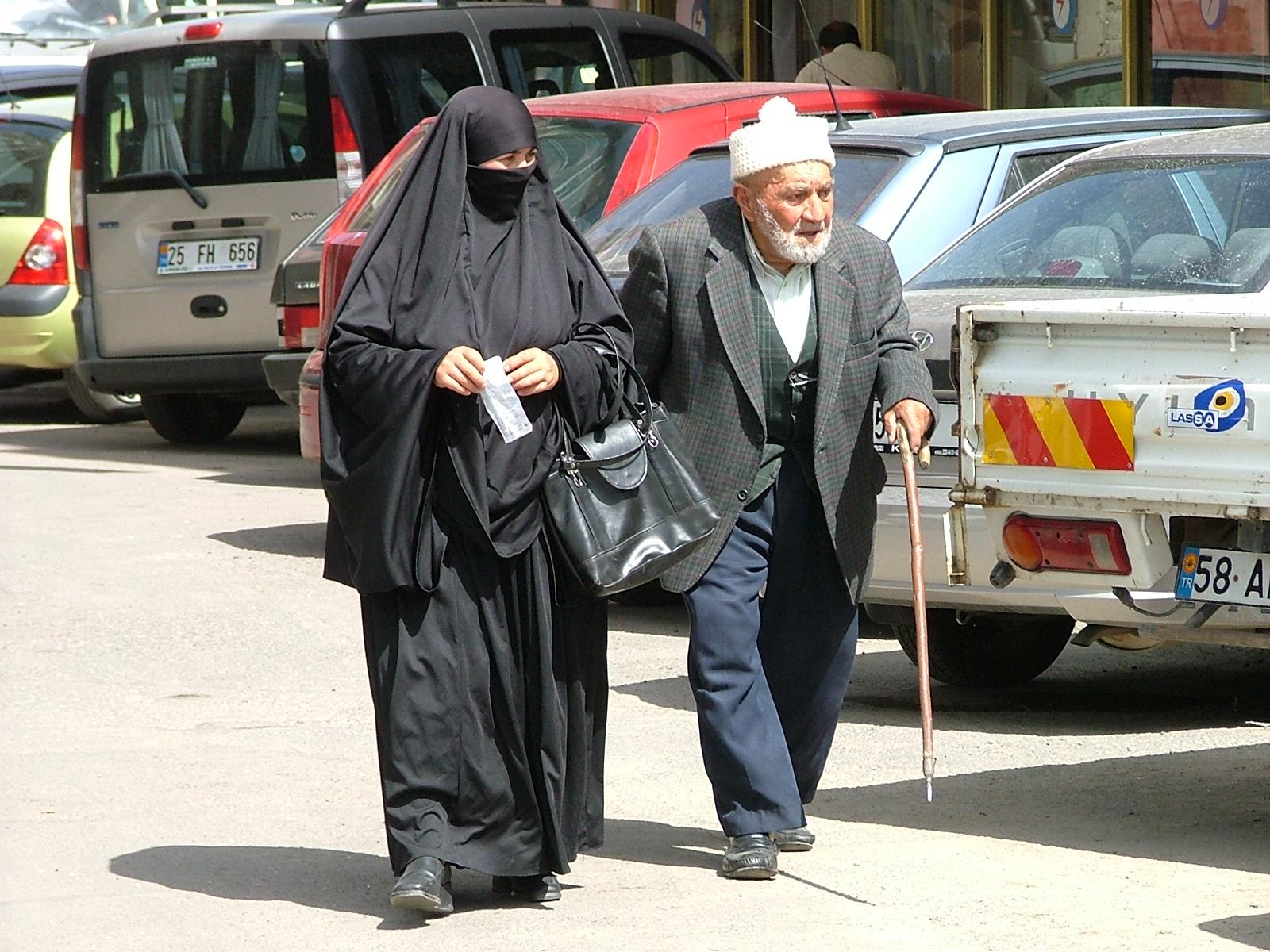 Старый муж и молодая жена картинки фото 551-496